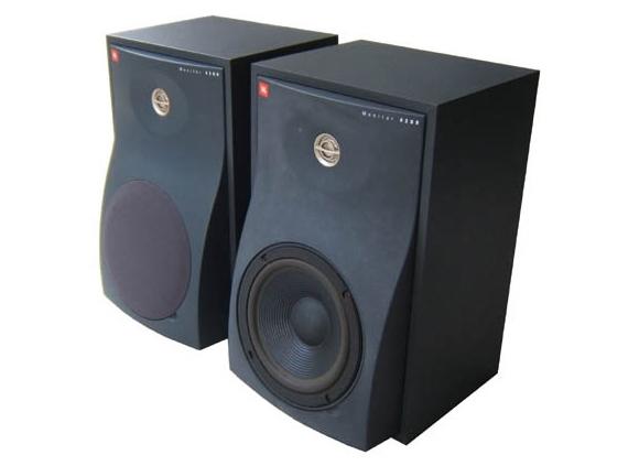 JBL 4206 series near field | Στούντιο Ηχογράφησης Mastering Μουσικές Παραγωγές. Το CUE είναι ένα σύγχρονο και άρτια εξοπλισμένο στούντιο ηχογράφησης και Mastering στη Θεσσαλονίκη.