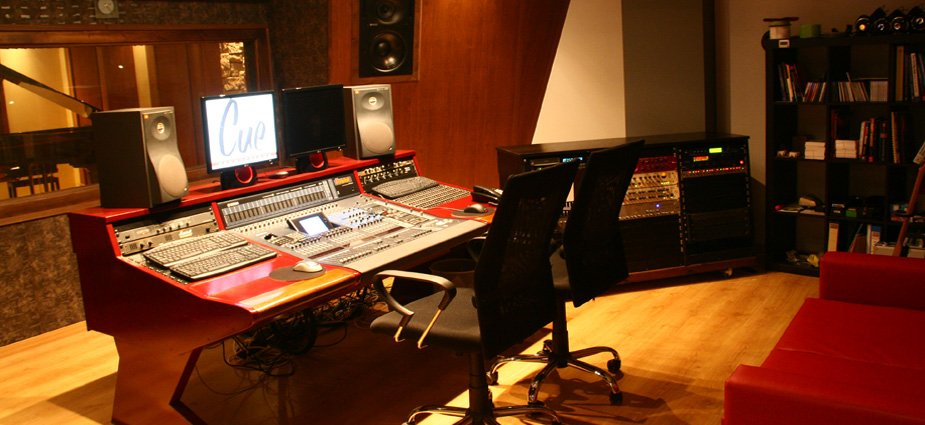 Studio Recording Mastering Music Productions | Studio Recording Mastering Music Productions. Cue Studio Records is a modern and well-equipped recording and mastering studio in Thessaloniki.