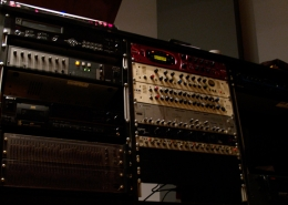 Mastering On Line   Studio Recording Mastering Music Productions. Cue Studio Records is a modern and well-equipped recording and mastering studio in Thessaloniki.